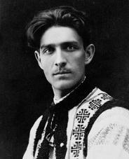 Capitanul-Miscarii-Legionare-Corneliu-Zelea-Codreanu-la-Turnu-Severin-în-anul-1925